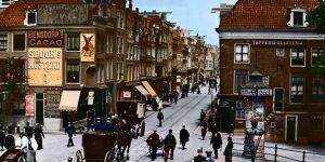 Met paard en koets door de historische binnenstad van Amsterdam.
