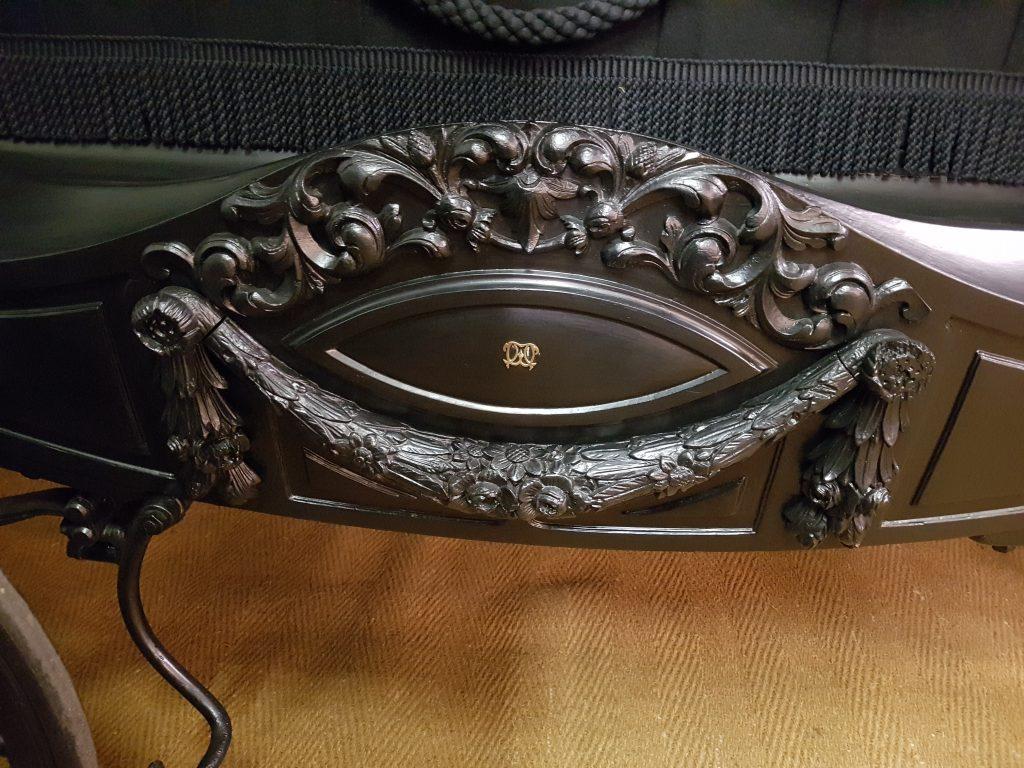 detail zwarte rouwkoets