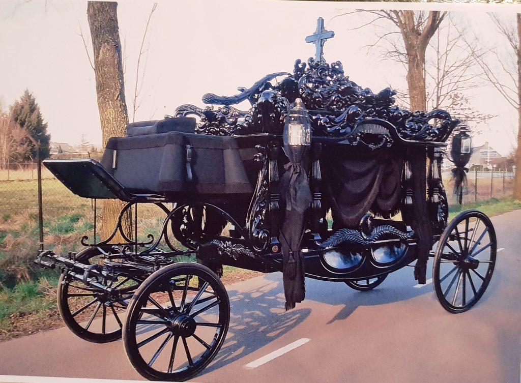begrafeniskoets voor een begravenis of crematie
